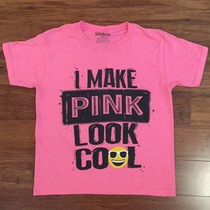 I Make Pink Look Cool Emoji T-Shirt M (8)